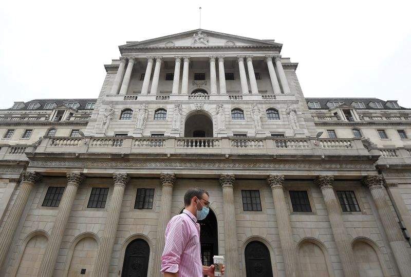 © Reuters. The Bank of England is seen in the City of London, Britain