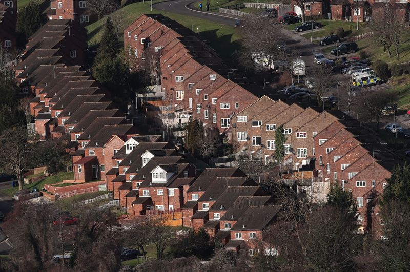 © Reuters. Rows of houses are seen in High Wycombe