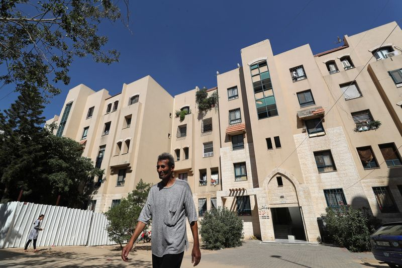 © Reuters. Gazans living on Emirates-funded estate rue normalisation deal with Israel