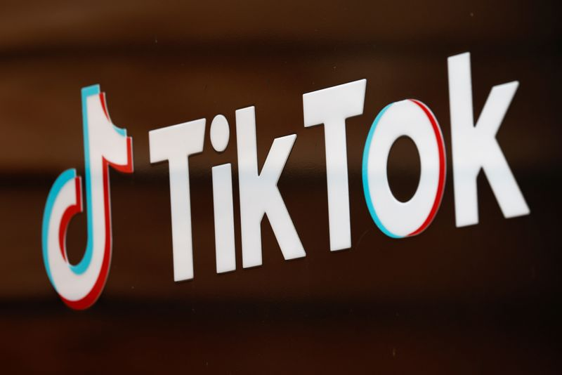 © Reuters. FILE PHOTO: The TikTok logo is pictured outside the company's U.S. head office in Culver City, California