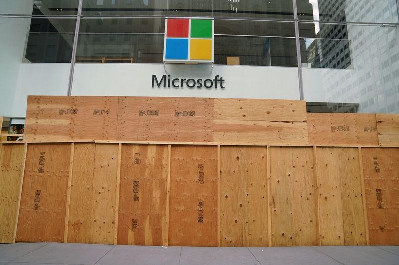 © Reuters. The Microsoft store is pictured in the Manhattan borough of New York City