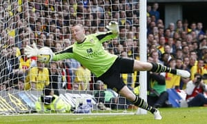 Paddy Kenny playing for Leeds at Watford in May 2013
