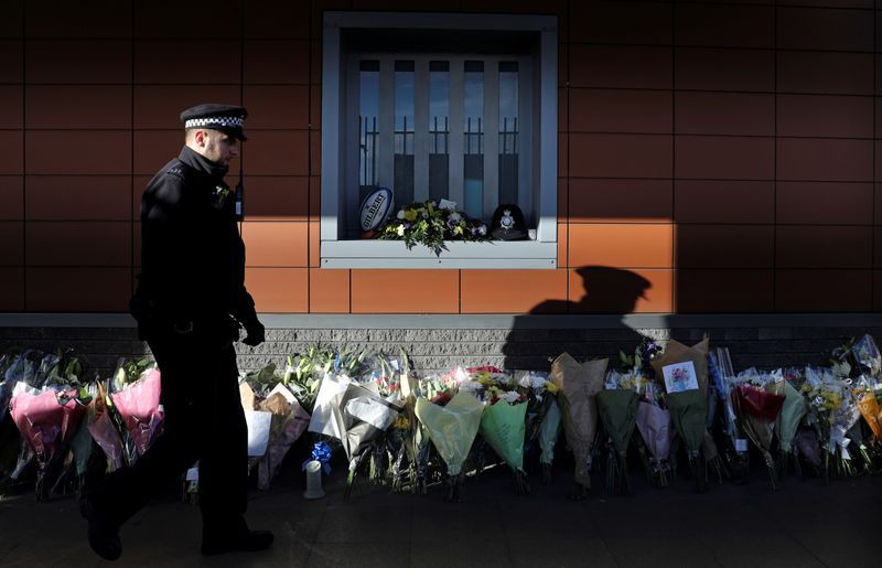 © Reuters. British police officer shot dead at custody centre in south London