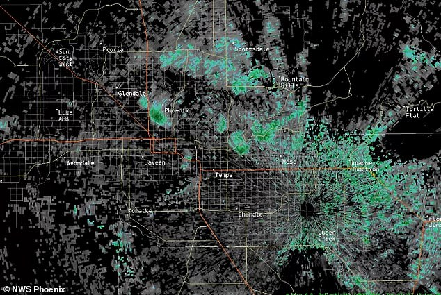 Thousands of bats woke from their slumber and flew out of a tunnel in Arizona to feast before dusk ¿ and the National Weather Service captured the event on radar. The organization picked up the massive colony in Phoenix Sunday, which highlighted what appears to be a burst like fireworks coming from a single point