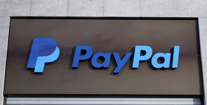 © Reuters. FILE PHOTO: The PayPal logo is seen at an office building in Berlin