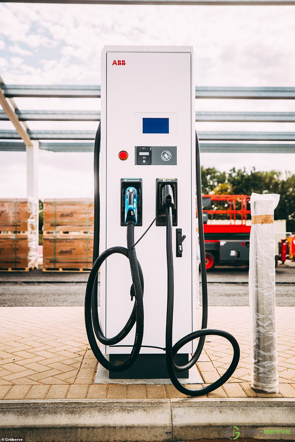 The company has already secured exclusivity at 100 site, and planning applications for two additional forecourts in Uckfield and Norwich East have recently been submitted