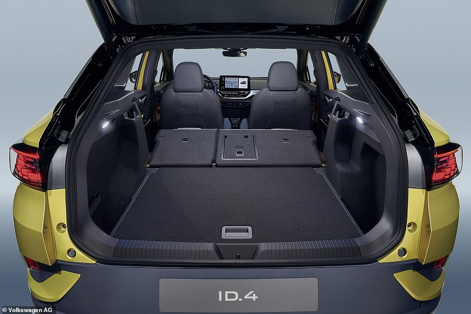 With the backrests laid flat, that expands to a van-like capacity of 1,575 litres