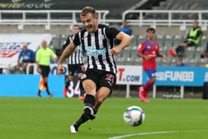 Newcastle United's Ryan Fraser puts his side ahead.