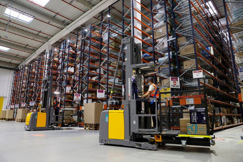 © Reuters. FILE PHOTO: A look inside France Amazon's expanding operations