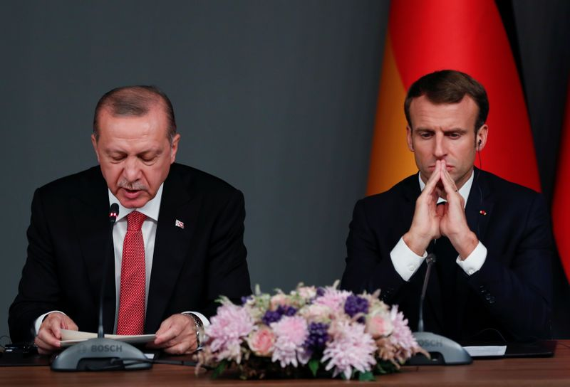 © Reuters. News conference after a Syria summit in Istanbul