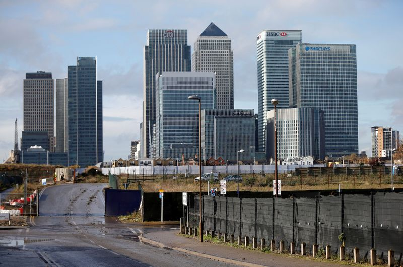 © Reuters. FILE PHOTO: The Canary Wharf financial district is seen in east London