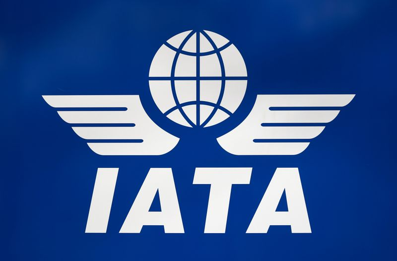 © Reuters. FILE PHOTO:  A logo of IATA is pictured in Geneva