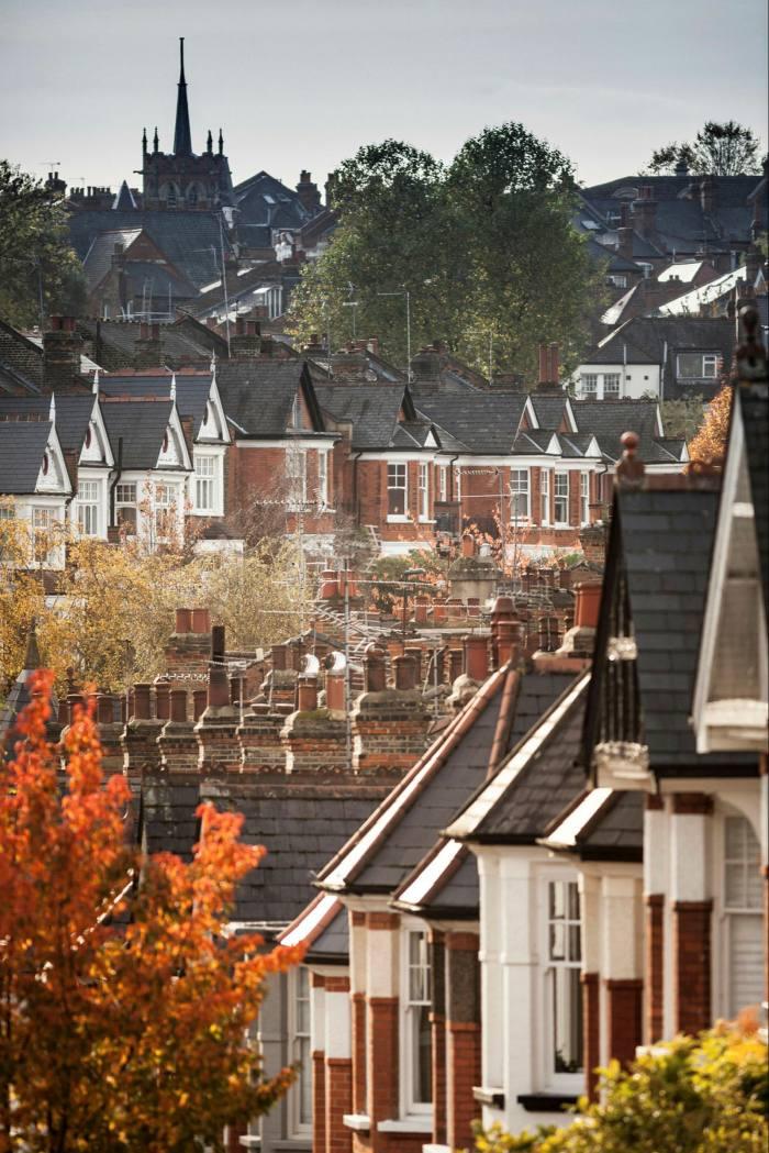 The previously buoyant performance of the flat market has been reversed over the past 12 months