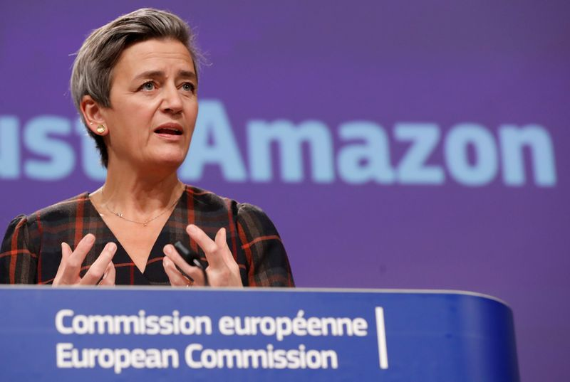 © Reuters. FILE PHOTO: European Commission Vice-President Vestager gives a news conference on a competition case