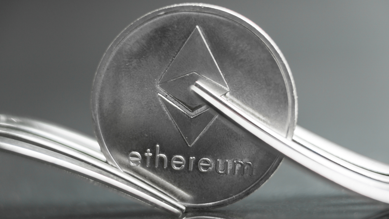 Ethereum Suffers from Unintended 'Chain Split,' Few Third-Party Services 'Got Stuck on Minority Chain'