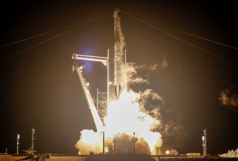 © Reuters. NASA and SpaceX launch the first operational commercial crew mission