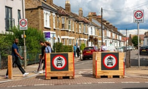 London, UK. 28th Aug, 2020. Tooting roads closed as area pedestrian. This controverial trial period in the area London Mayor Sadiq Khan lives and was formerly MP. This busy area has congestion on major roads. Part of the Low Traffic Neighbourhoods LTN scheme. Credit: JOHNNY ARMSTEAD/Alamy Live News<br>2CDHMN3 London, UK. 28th Aug, 2020. Tooting roads closed as area pedestrian. This controverial trial period in the area London Mayor Sadiq Khan lives and was formerly MP. This busy area has congestion on major roads. Part of the Low Traffic Neighbourhoods LTN scheme. Credit: JOHNNY ARMSTEAD/Alamy Live News