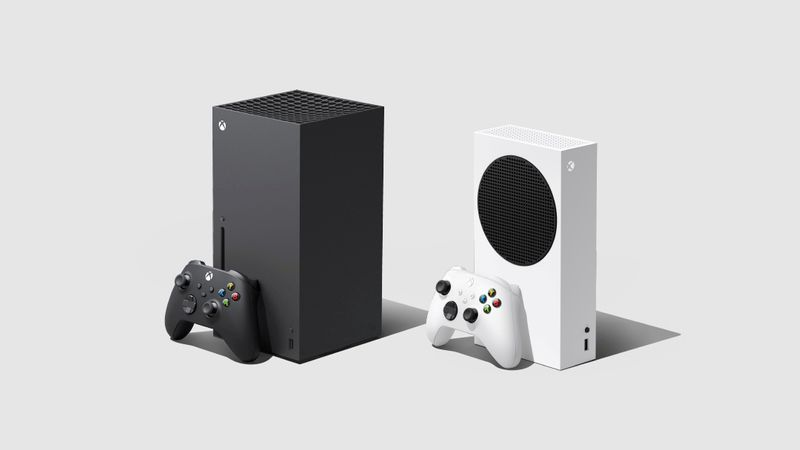© Reuters. FILE PHOTO: Xbox Series XIS - Microsoft's next generation gaming consoles