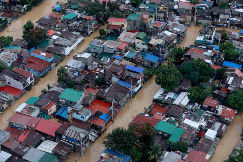 © Reuters. An aerial view of the flooding in Manila caused by Typhoon Vamco