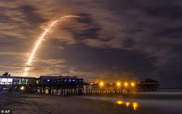 The Falcon 9 launched from Cape Canaveral Air Force Station in Florida in the early hours of this morning carrying the 16th batch of Starlink satellites