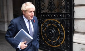 BRITAIN-POLITICS-HEALTH-VIRUS<br>Britain's Prime Minister Boris Johnson arrives back at Downing Street in London on November 10, 2020 after chairing the weekly cabinet meeting held at the nearby Foreign, Commonwealth and Development Office. (Photo by JUSTIN TALLIS / AFP) (Photo by JUSTIN TALLIS/AFP via Getty Images)