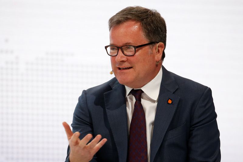© Reuters. Vitol CEO Russell Hardy speaks during the 20th Asia Oil & Gas Conference in Kuala Lumpur