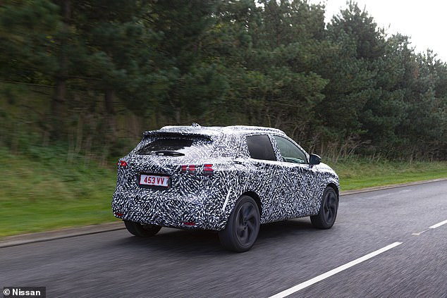In terms of size, it should remain on a par with the current mi-size SUV, though Nissan claims the wheelbase (distance from front wheels to rear wheels) has been extended by 20mm