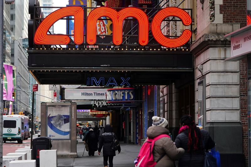© Reuters. An AMC theatre is pictured in New York
