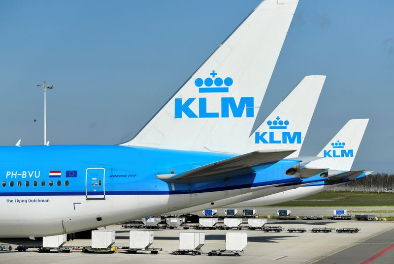 © Reuters. FILE PHOTO: KLM airplanes are seen parked at Schiphol Airport in Amsterdam, Netherlands