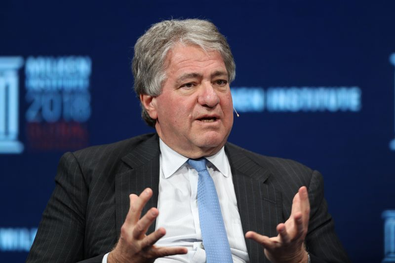 © Reuters. Leon Black, Chairman, CEO and Director, Apollo Global Management, LLC, speaks at the Milken Institute's 21st Global Conference in Beverly Hills