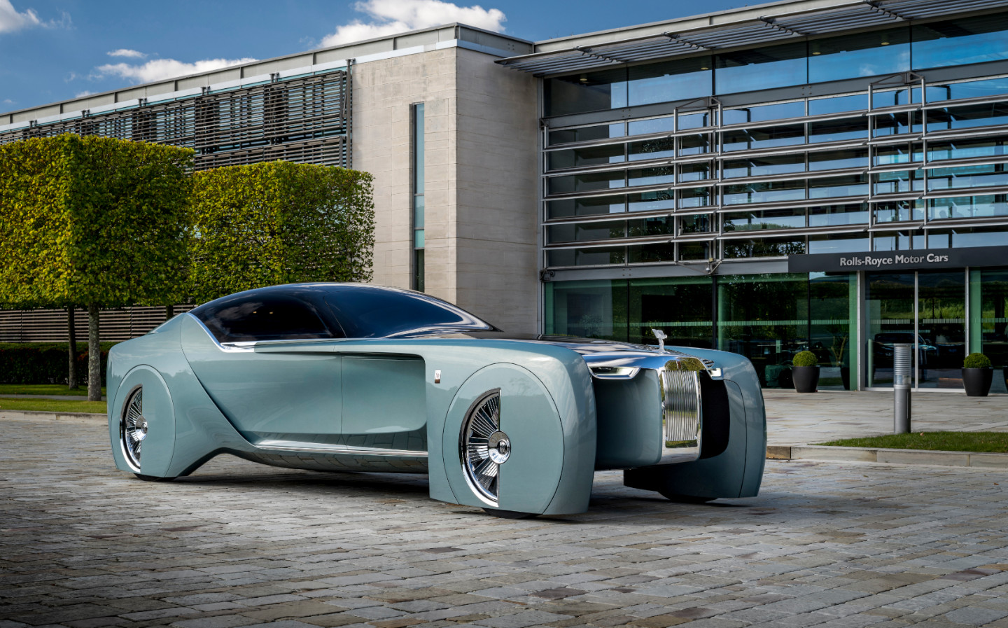 First electric Rolls-Royce will be a completely new model called Silent Shadow