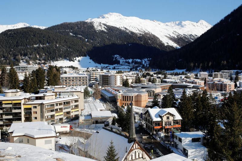 © Reuters. General view shows the congress center and the Alpine resort of Davos