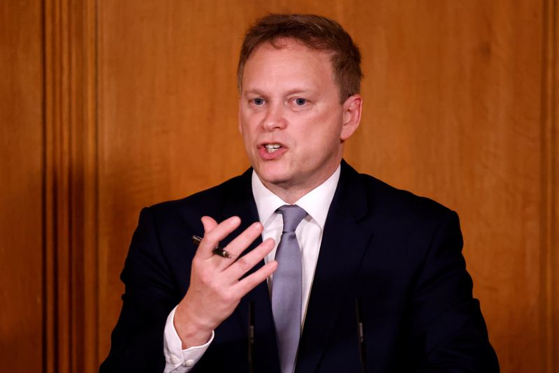© Reuters. FILE PHOTO:  Britain's Transport Secretary Grant Shapps speaks during a virtual news conference in London