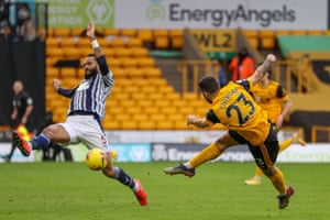 Patrick Cutrone of Wolverhampton Wanderers shoots towards the goal.