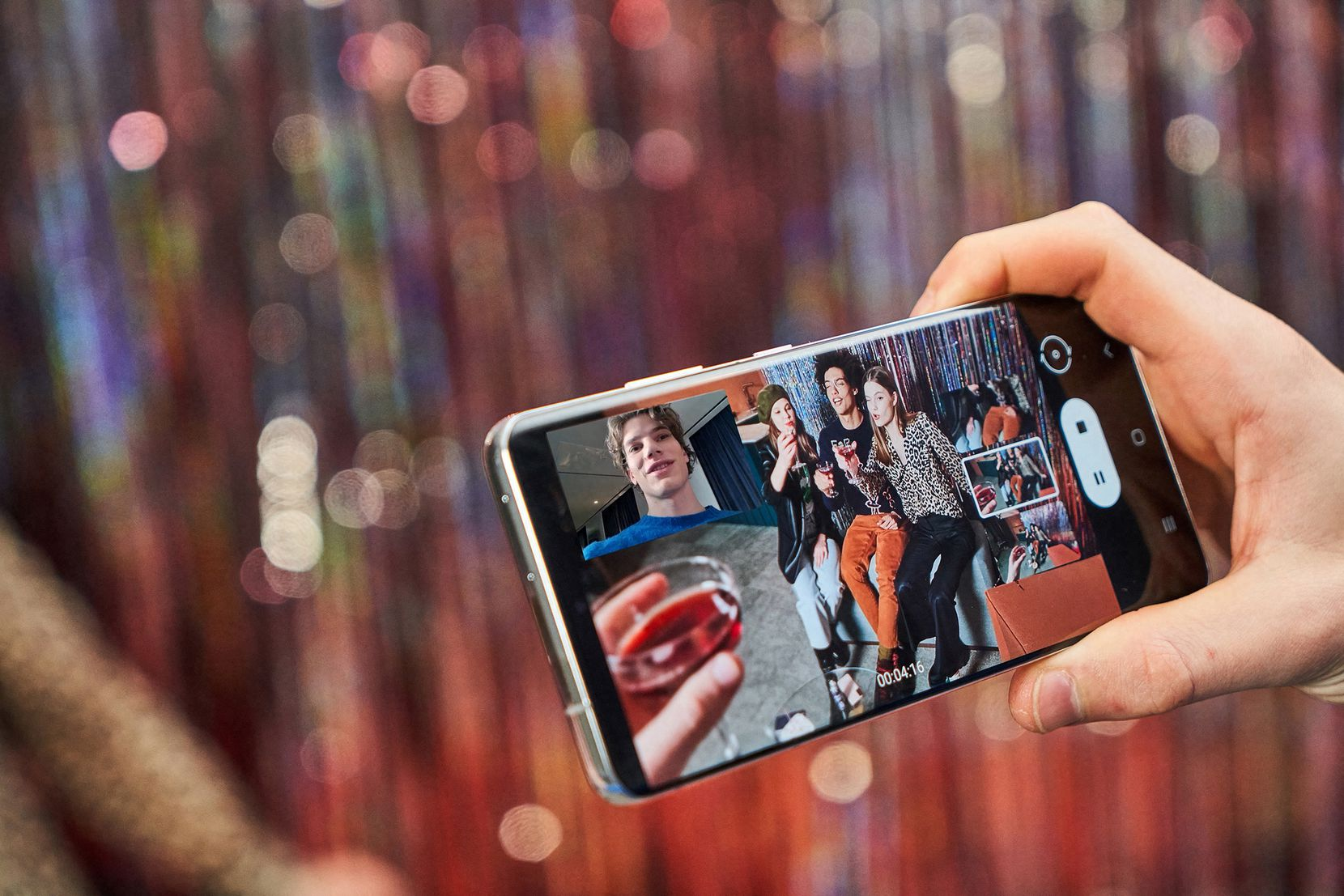 Director mode on the Samsung Galaxy S21 Ultra 5G shows three camera views and lets you switch between them while you are shooting video.