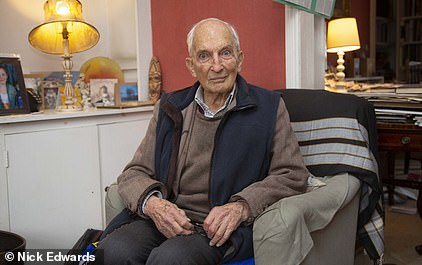 Martin Kenyon, 91, has received his second dose of vaccine
