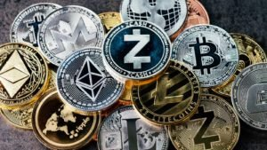 Cryptocurrency: Pile of altcoins represented as physical coins