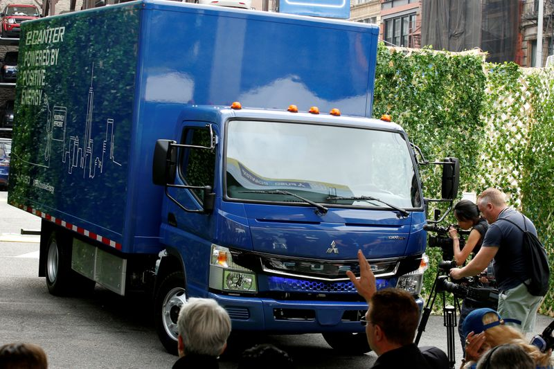 Daimler Trucks labour chief wants clean tech investments in Germany