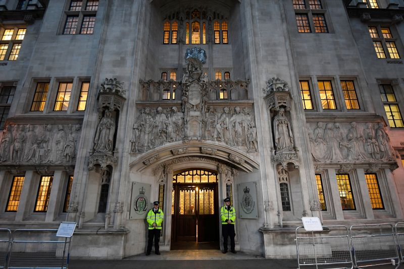 Runaway schoolgirl who joined IS cannot return to Britain, top court says