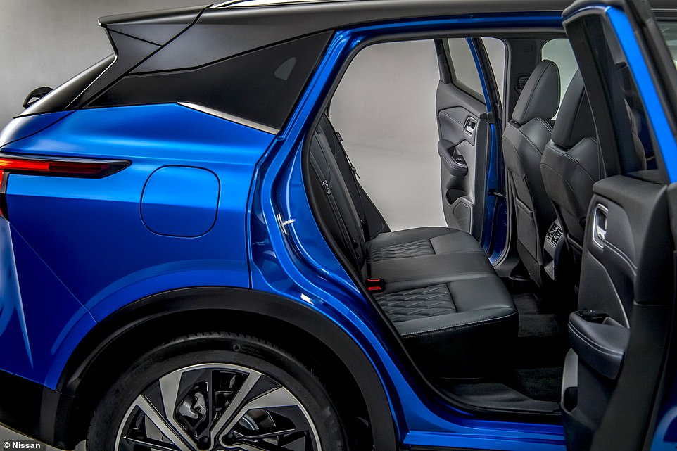 To help passenger get in and out of the second row of seats, the rear doors now open wider to 85 degrees. It offers a tunnel-line entry into the back of the vehicle