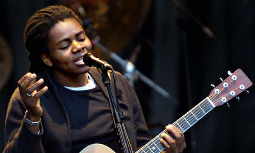 Tracy Chapman performing in Dublin in 2000.