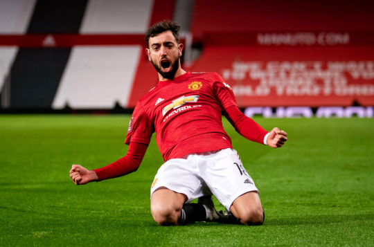 Manchester United will pay an additional fee to Sporting if Bruno Fernandes wins the PFA Player of the Season award