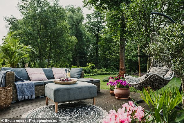 Insurers have reported seeing a rise in claims relating to garden furniture theft last year