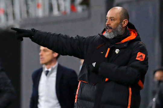 Wolverhampton Wanderers' Portuguese head coach Nuno Espirito Santo gestures on the touchline during the English Premier League football match between Fulham and Wolverhampton Wanderers at Craven Cottage in London on April 9, 2021.