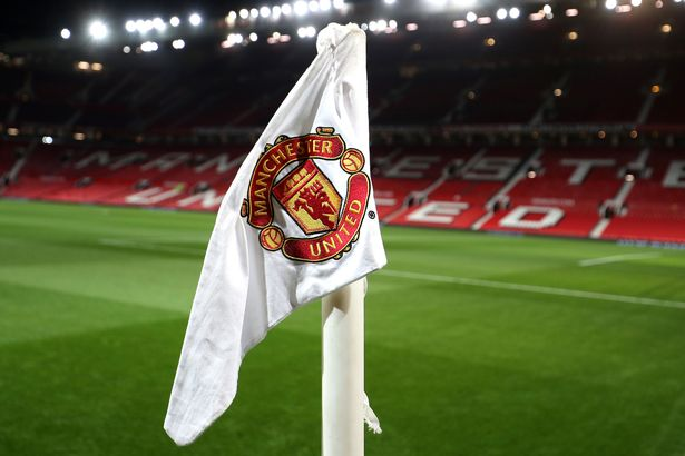 Manchester United have reportedly entered into talks to buy the licence of A-League club Central Coast Mariners