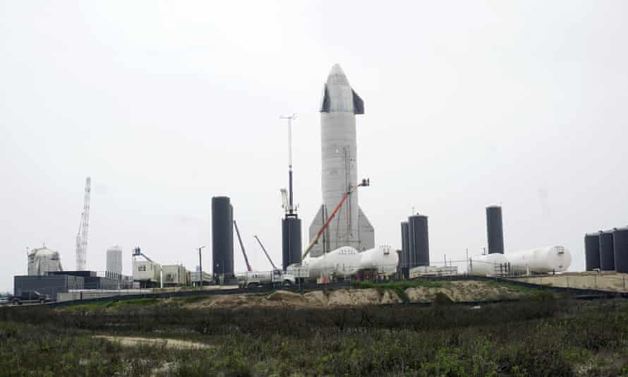 SpaceX's SN15 Starship prototype sits on a launch pad, in Boca Chica, Texas, this week.