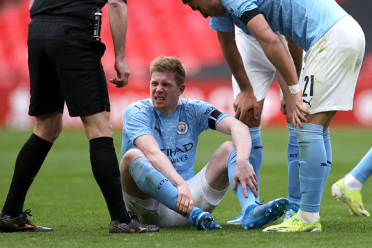 Kevin De Bruyne suffered an ankle injury during Man City's FA Cup semi-final defeat against Chelsea