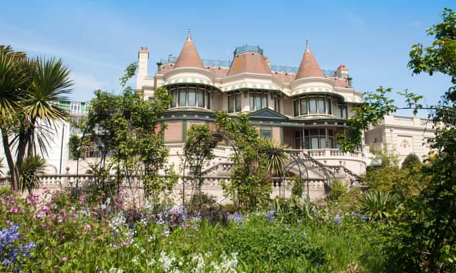 The Russell Cotes Museum and Art Gallery gardens