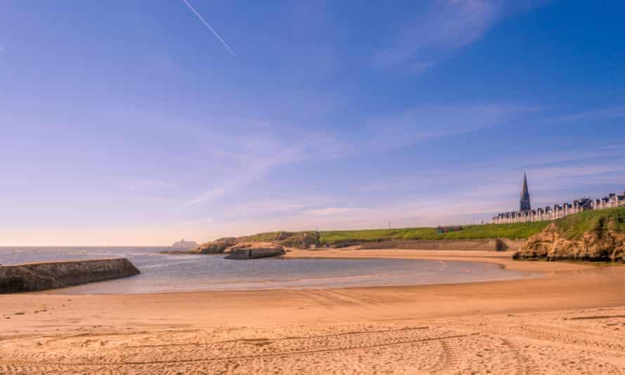 The sandy beach at Cullercoats Bay
