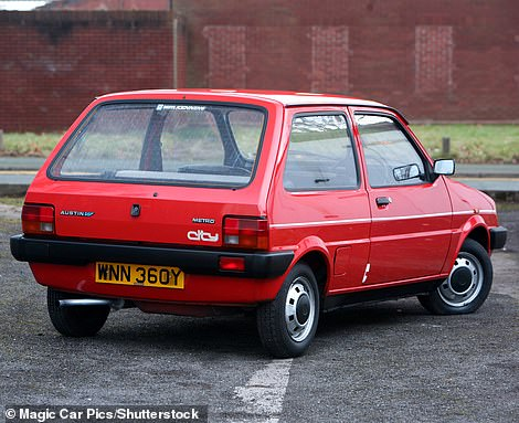 The Austin Metro had the extremely difficult task in 1980 to replace the iconic original Mini